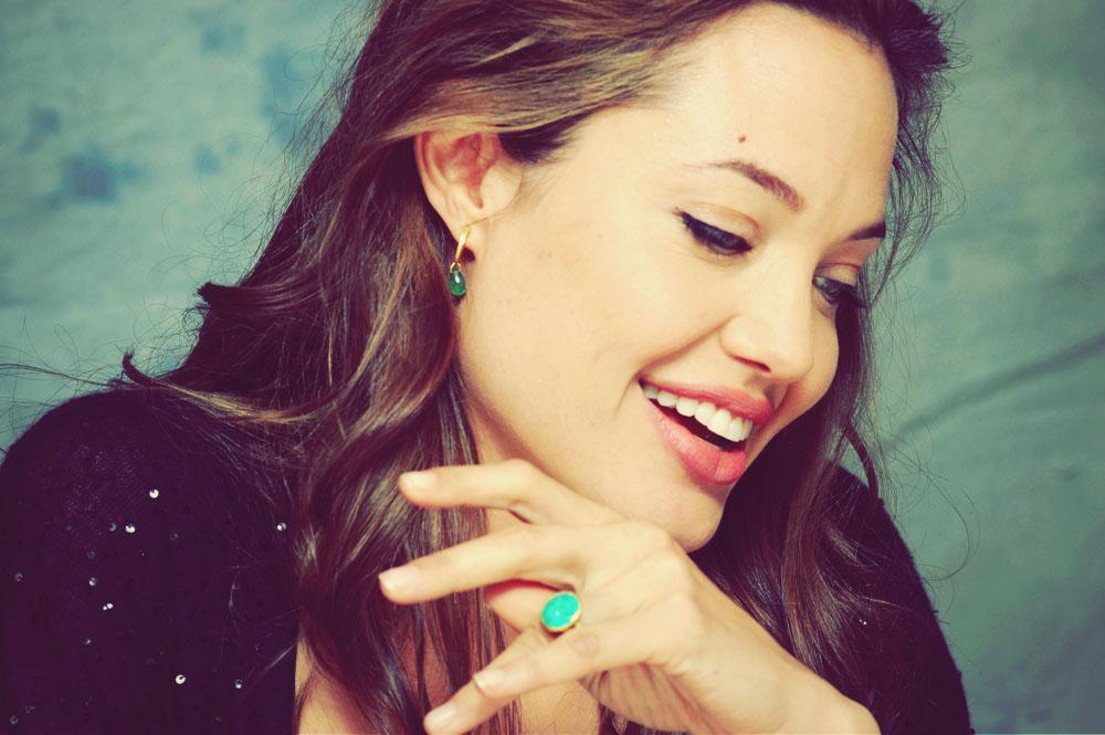 Mutação genética de Angelina Jolie corresponde apenas a 10% do casos de câncer de mama no mundo